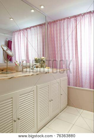 Bathroom Interior In Warm Tone With Mirror