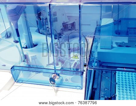 Biochemical Analyzer At Modern Coo. Laboratory Equipment.