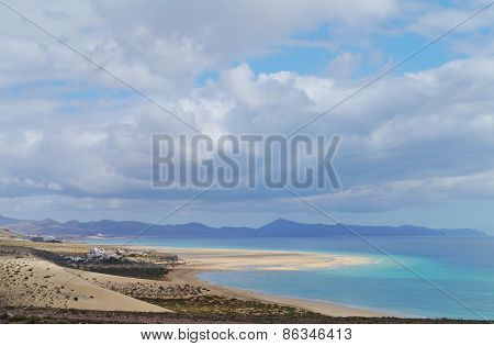 Vast sandy beaches of Fuerteventura