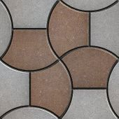 pic of trapezoid  - Pattern Pavement in the Form of a Trapezoid - JPG