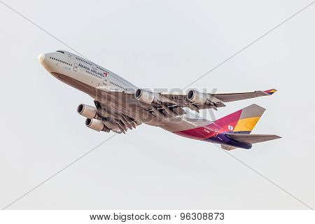 Boeing 747-800 Of The Asiana Airlines