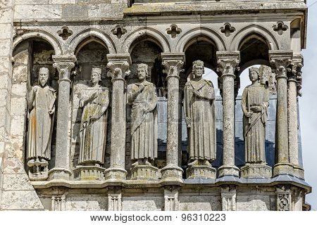 Statues On South Wall Of The Cathedral Of Chartres