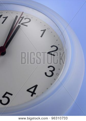 Time shows One Minute to twelve
