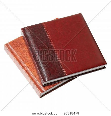 Book in leather-bound.