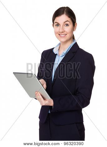 Brunette businesswoman use of the tablet pc