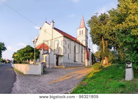 A Small Church At Sunset In The City Dobzhen Wielki