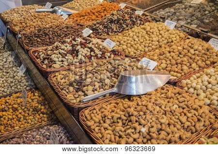 Market stall with mixed nuts