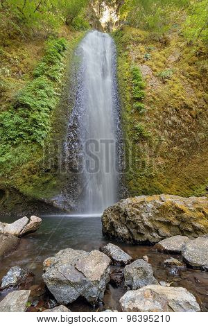Gorton Creek Falls in Oregon