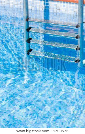 Swimming-Pool 6