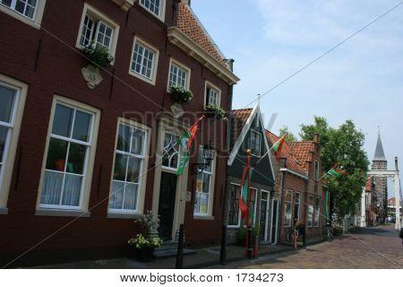 Holland 2 284