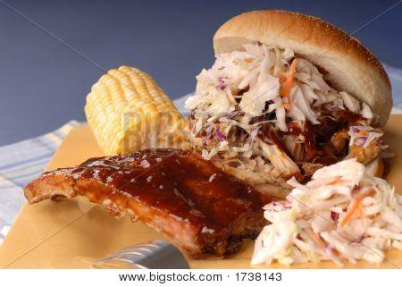 Pulled Pork Sandwich, Ribs