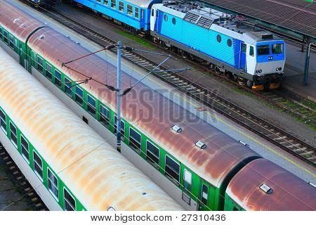 Tren viejo en el ferrocarril.