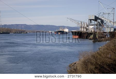 Willamette River Shipping