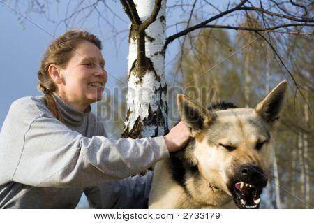 Frau und ihrem Hund