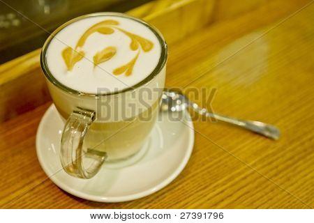 coffee latte macchiato glass foam pattern