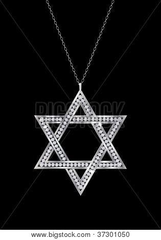 Um colar de diamantes estrela de Davi em cadeia. Isoladas no fundo preto. Também disponível em vector fo