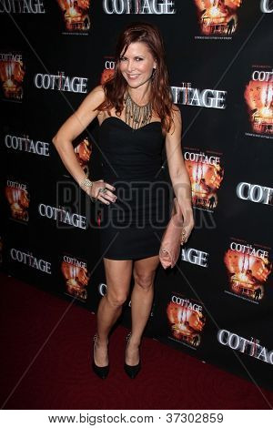 LOS ANGELES - SEP 28:  Shea Curry arrives at the