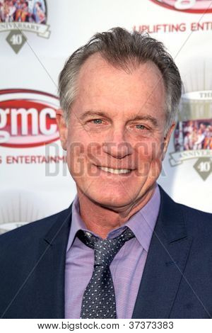 LOS ANGELES - SEP 29:  Stephen Collins arrives at the 40th Anniversary of