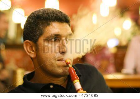 Smoking Narguile