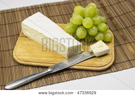 Camembert and grapes