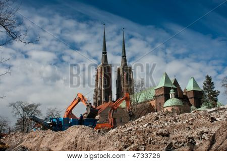 Demolition Yard, Ostrow Tumski