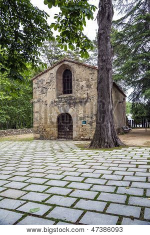 Iglesia de Sant Marti De Pertegas, del siglo Xii en Sant Celoni