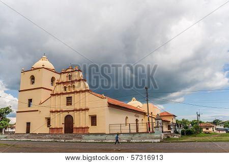 Suburbian Catholic Church In Leon