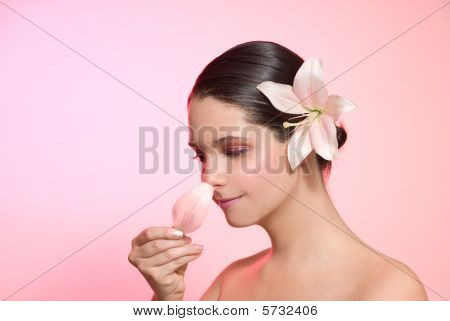 Smell of petal