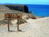 picture of papagayo  - a nice view of playa de papagayo in lanzarote - JPG