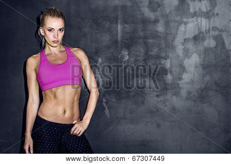 fitness lifestyle portrait, caucasian model, trained body, copyspace