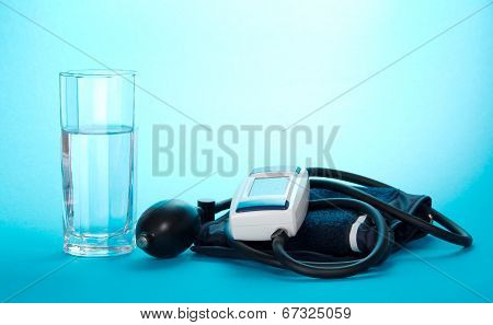 The device for measurement of pressure and glass