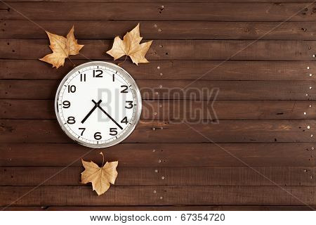 Clock With Three Leaves