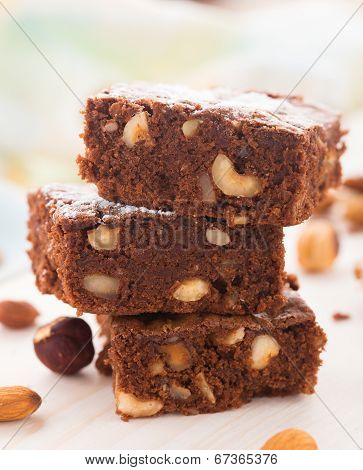 Chocolate brownie with nuts