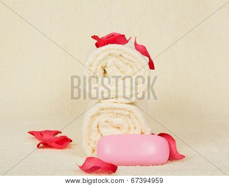 Towels, the soap, decorated with pink petals