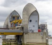 image of movable  - Thames Barrier is the world - JPG