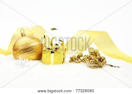Golden Christmas Holly Leaves Gift On Snow