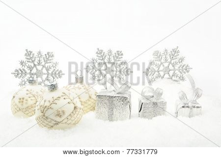 Silver Christmas Gifts,baubles Ribbon On Snow