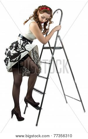 Photo pin up woman down the stairs