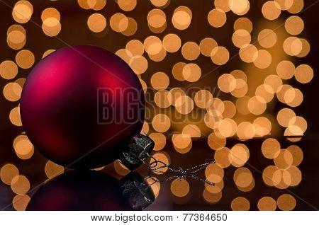 Pretty red ornament