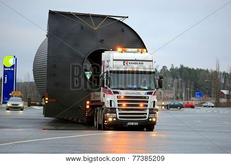Scania V8 Truck Hauls A Wide Load