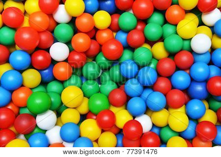 Color Plastic Balls