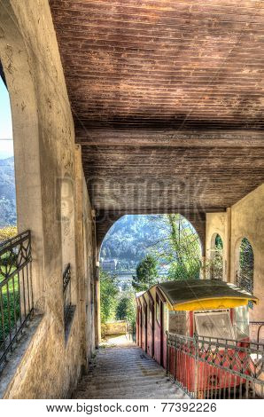 Funicular With Hdr Style