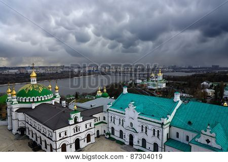 storm over the Kiev city