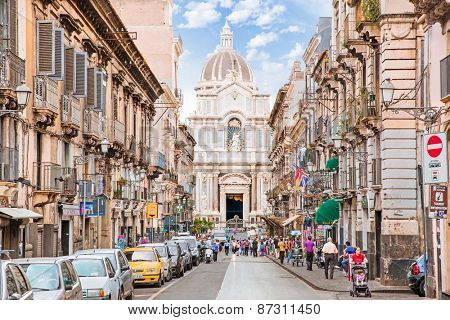 CATANIA, ITALY - SEP 17, 2014: Unidentified people on the street of Catania, Italy. With 300.000 citizens, Catania is the second-largest city in Sicily and the tenth in Italy.