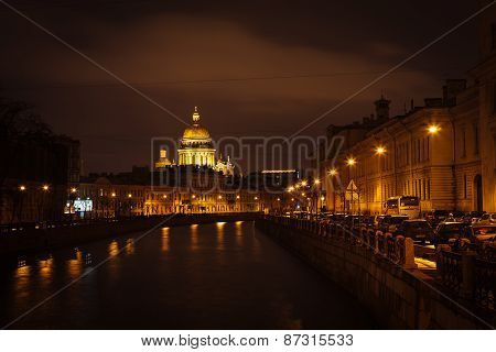 The evening Saint Isaac's Cathedral in St. Petersburg