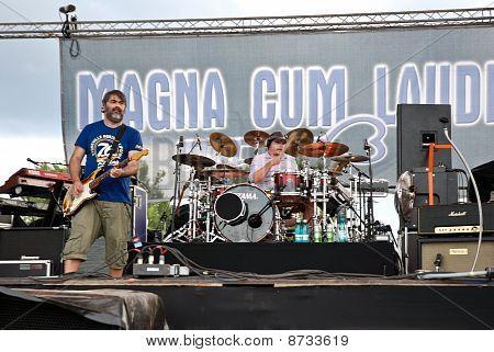 Magna Cum Laude in Concert