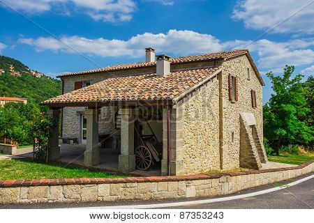 Tuscan Farmhouse In Italy