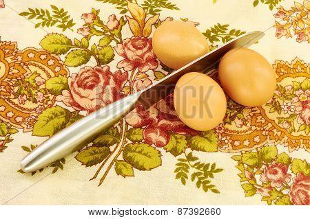 Steel Knife Breaks Eggs