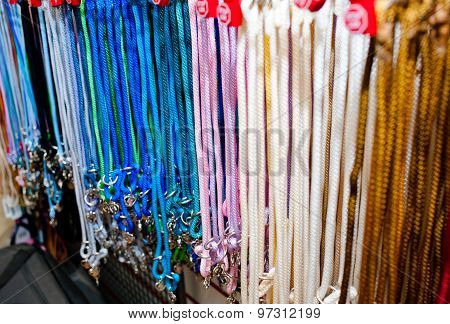 Show Leashes On Sale
