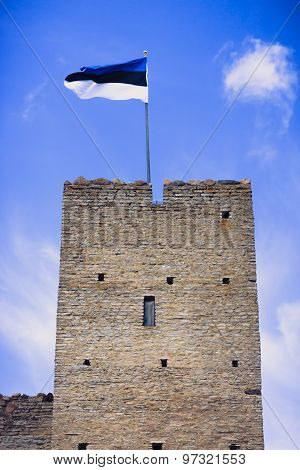 Flag of Estonia on a tower in Rakvere